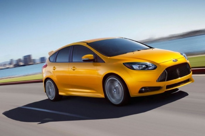 2014-Ford-Focus-ST 2014 Ford Focus Is Available in 7 Catchy & Fuel-Efficient Models at Competitive Prices