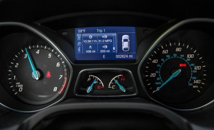 2014-ford-focus-se-instrument-cluster-photo-558710-s-1280x782 2014 Ford Focus Is Available in 7 Catchy & Fuel-Efficient Models at Competitive Prices