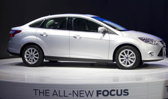 2014-ford-focus-sedan 2014 Ford Focus Is Available in 7 Catchy & Fuel-Efficient Models at Competitive Prices