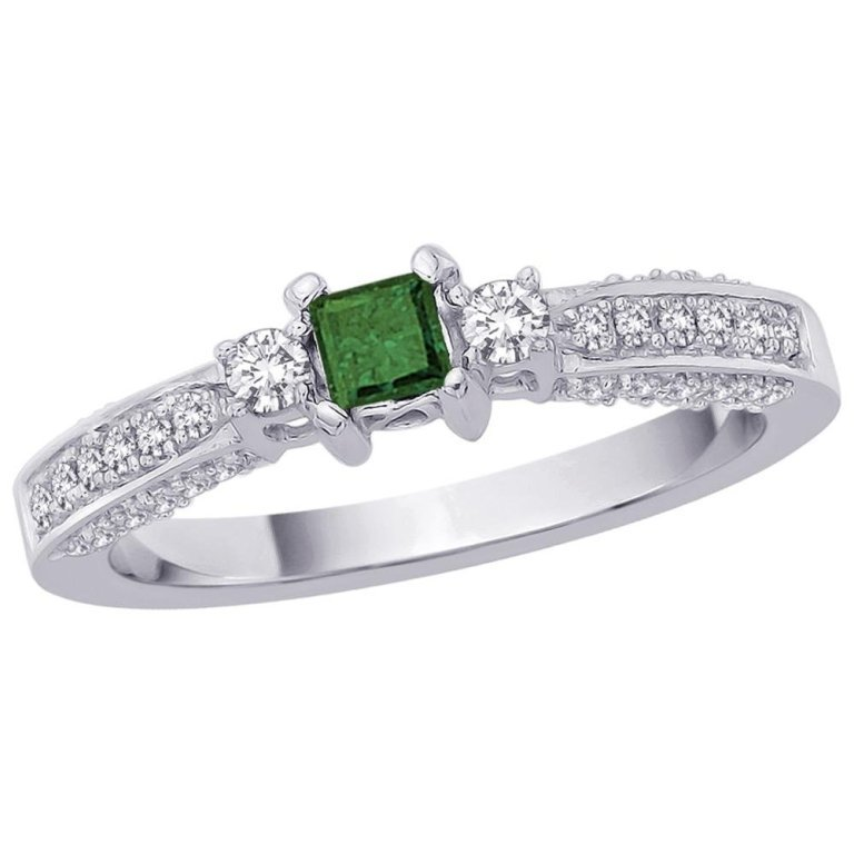2186893 30 Fascinating & Dazzling Green diamond rings