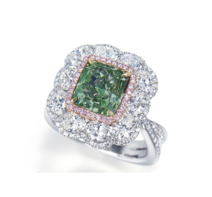 3.62-carats-Green-Diamond-Ring 30 Fascinating & Dazzling Green diamond rings