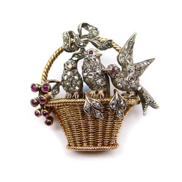 42731 35 Elegant & Wonderful Antique Diamond Brooches