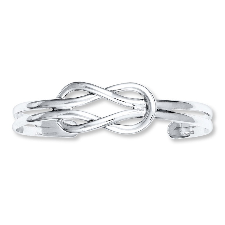504854908_MV_ZM Show Your Endless Love to Your Lover with These Unique Cuffs & Bracelets of Love