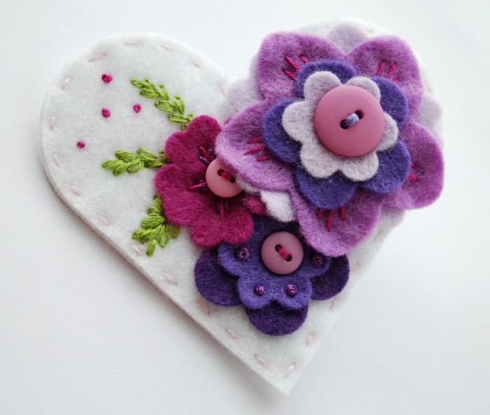 6836130259_671f6de04e_b 45 Handmade Brooches to Start Making Yours on Your Own