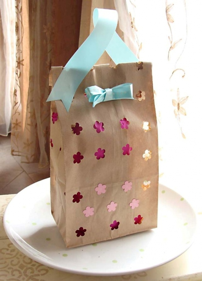 6a011570601a80970b0147e261ec3c970b-800wi 40 Creative & Unusual Gift Wrapping Ideas
