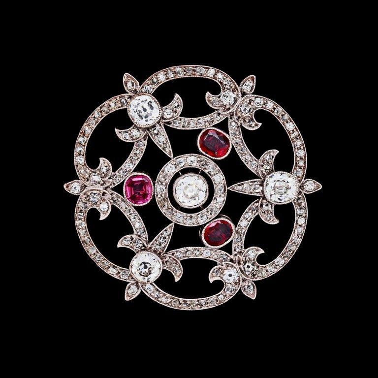 7137230_fullsize 35 Elegant & Wonderful Antique Diamond Brooches
