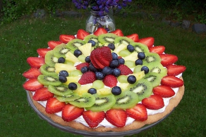 749bf0f4046aeaacd62f4fd25a776016_large Do You Like Fruit Pizza? Learn How to Make It on Your Own
