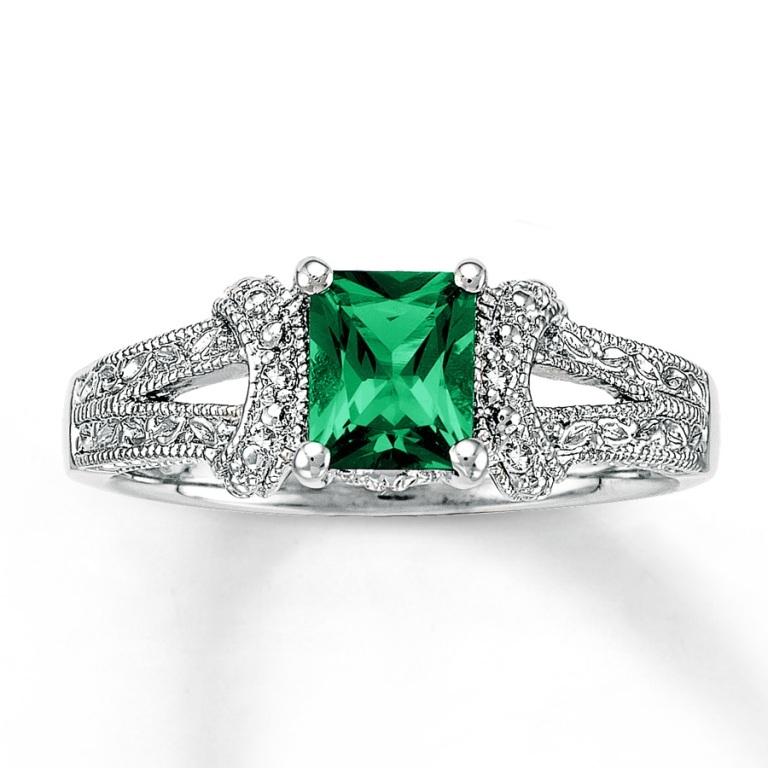 920210907_MV_ZM 30 Fascinating & Dazzling Green diamond rings