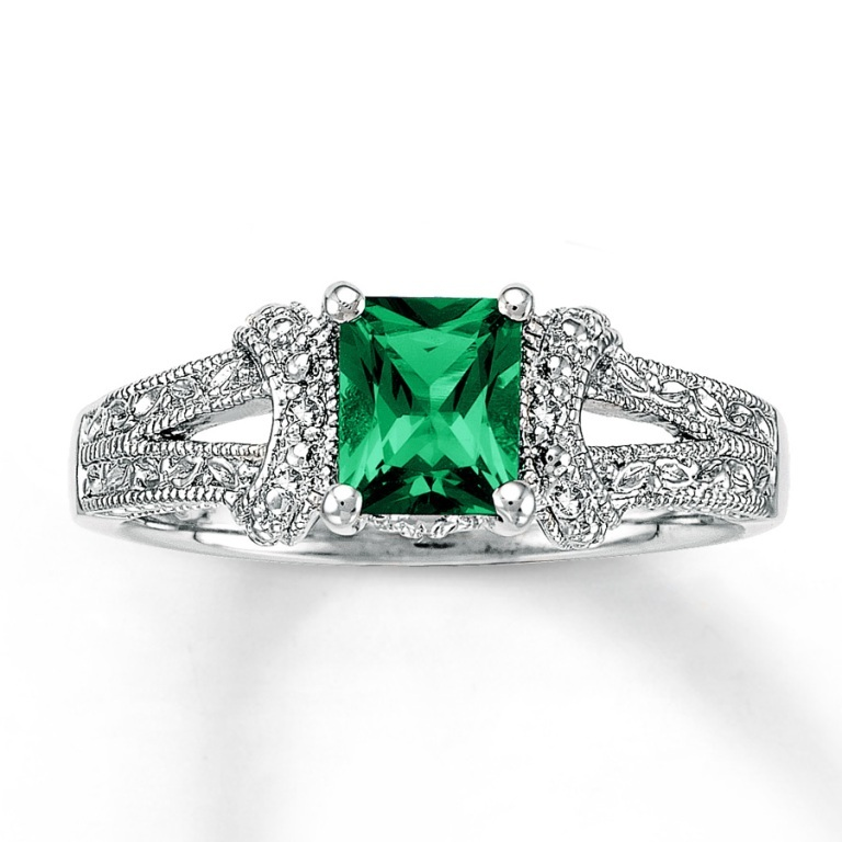 920210907_MV_ZM 30 Fascinating & Dazzling Green diamond rings