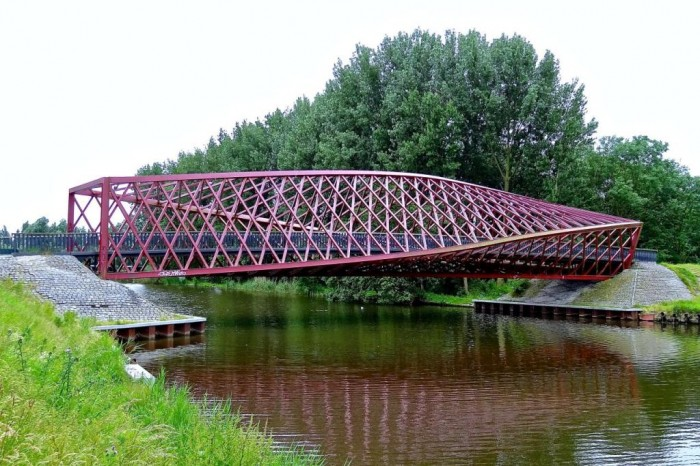 9344207974_bf18dded1b_o Have You Ever Seen Breathtaking & Weird Bridges Like These Before?