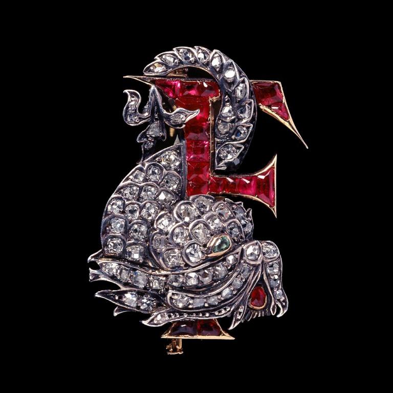 9851 35 Elegant & Wonderful Antique Diamond Brooches