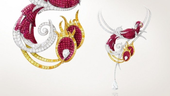 Article-Panoramic-PalaisDeLaChance-Phoenix 30 Non-traditional & Unusual Gold Necklaces