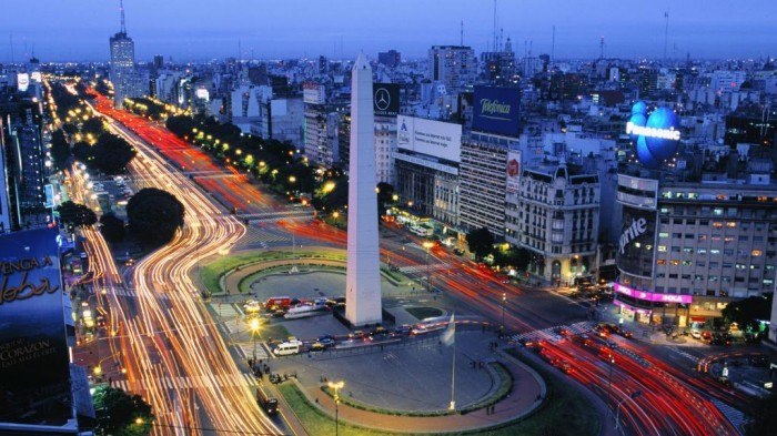 Avenida-9-de-Julio-Buenos-Aires-Argentina 55 Most Fascinating & Weird Roads Like These Before?