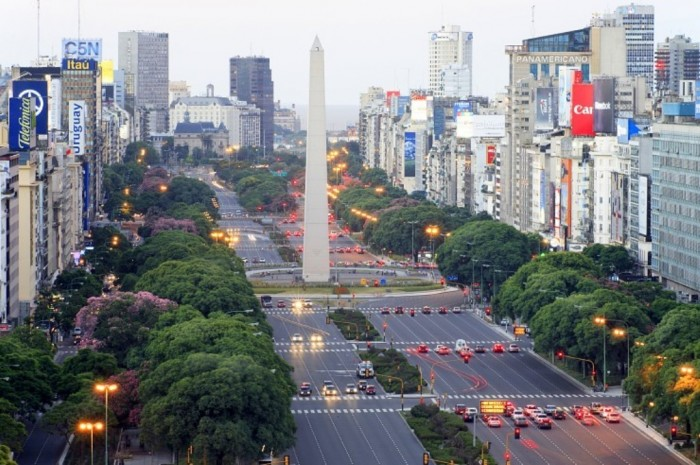 Avenida-9-de-Julio 55 Most Fascinating & Weird Roads Like These Before?