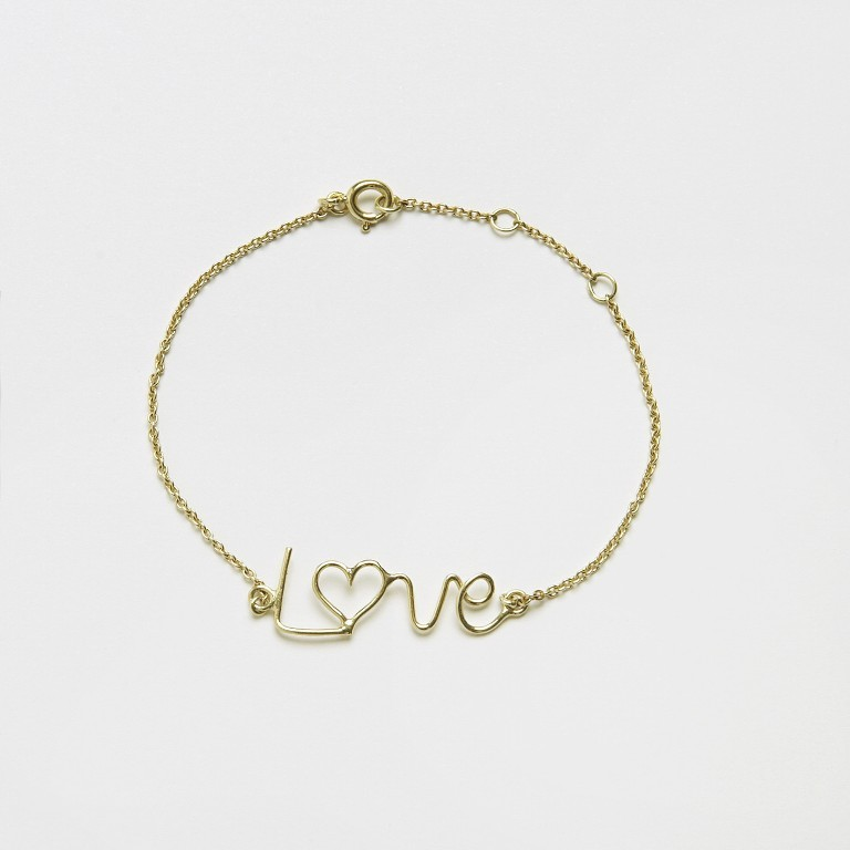 Bracelet_love_script_gg1 Show Your Endless Love to Your Lover with These Unique Cuffs & Bracelets of Love