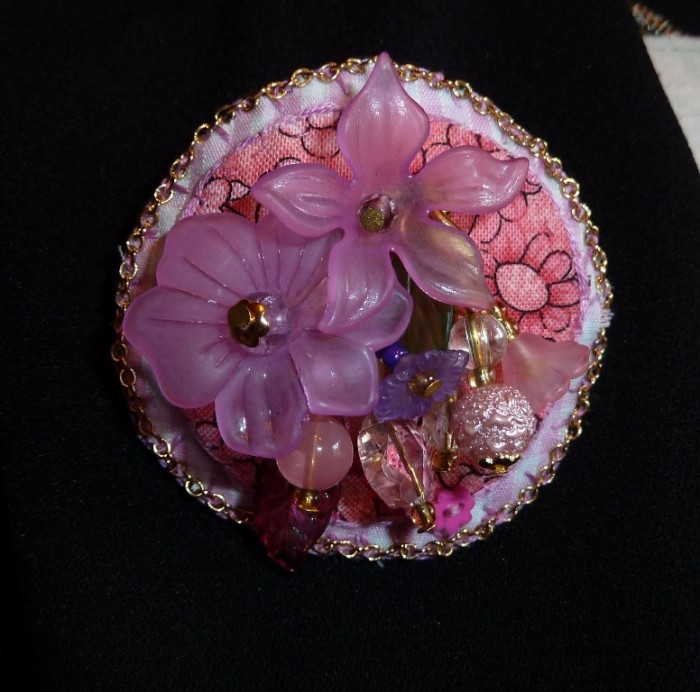 Brooch-Flower-Garden-Pinks 45 Handmade Brooches to Start Making Yours on Your Own