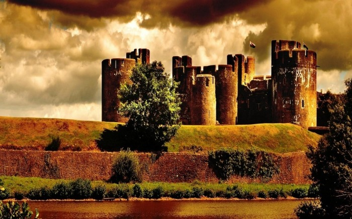 Caerphilly-castle-united-kingdom-Wallpaper Top 10 Most Powerful Countries in the World