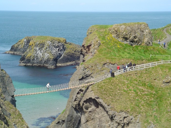 Carrick-a-Rede-Rope-Bridge-Puts-Your-Bravery-to-the-Test-3 The World's 15 Scariest Bridges that Will Freeze Your Heart