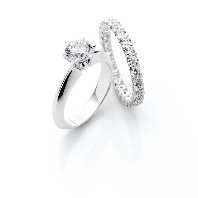 City-Gold-Solitaire 60 Breathtaking & Marvelous Diamond Wedding bands for Him & Her
