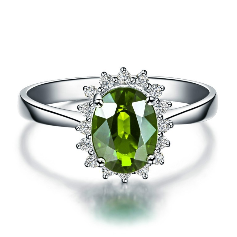 Customizable-Luxury-Fresh-Green-Translucent-Pure-Chol-18K-White-Gold-Jewel-Peridot-Rings-Noble-Wedding-Rings 30 Fascinating & Dazzling Green diamond rings