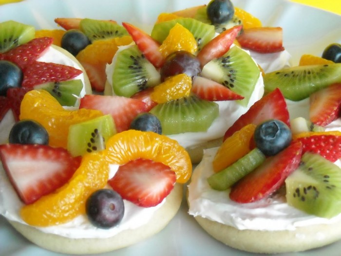 DSCN2256 Do You Like Fruit Pizza? Learn How to Make It on Your Own