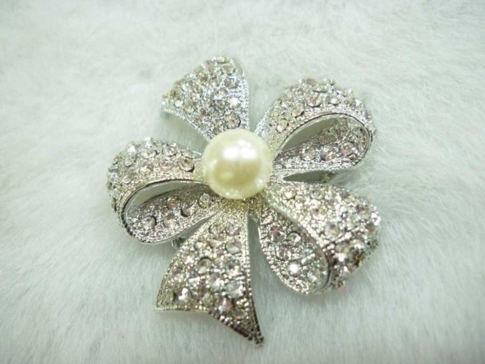 Fashion_Pearl_Brooch 50 Wonderful & Fascinating Pearl Brooches