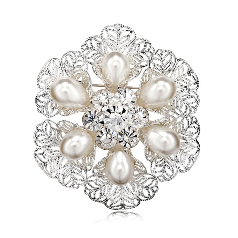 Filigree-Pearl-Wreath-Brooch-Pin-Silver__80508_zoom 50 Wonderful & Fascinating Pearl Brooches