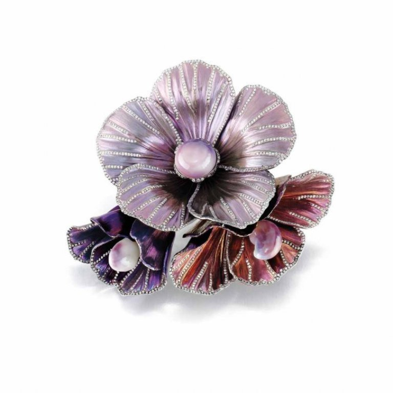 Flower-brooch-in-titanium-set-with-natural-pearls-16.80-cts-and-diamonds-3.03-cts-by-Bogh-art-Flower-brooch-in-titanium-set-with-natural-pearls-16.80-cts-and-diamonds-3.03-cts-by-Bogh-art 50 Wonderful & Fascinating Pearl Brooches