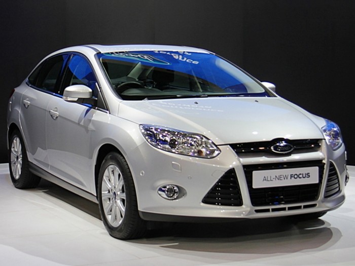 Ford-Focus-2014-57 2014 Ford Focus Is Available in 7 Catchy & Fuel-Efficient Models at Competitive Prices
