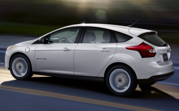 Ford-Focus-2014-hatch 2014 Ford Focus Is Available in 7 Catchy & Fuel-Efficient Models at Competitive Prices