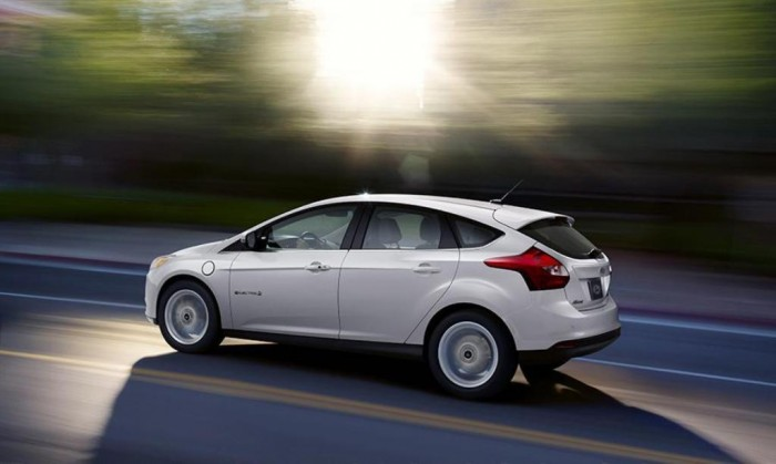 Ford-Focus-Electric 2014 Ford Focus Is Available in 7 Catchy & Fuel-Efficient Models at Competitive Prices