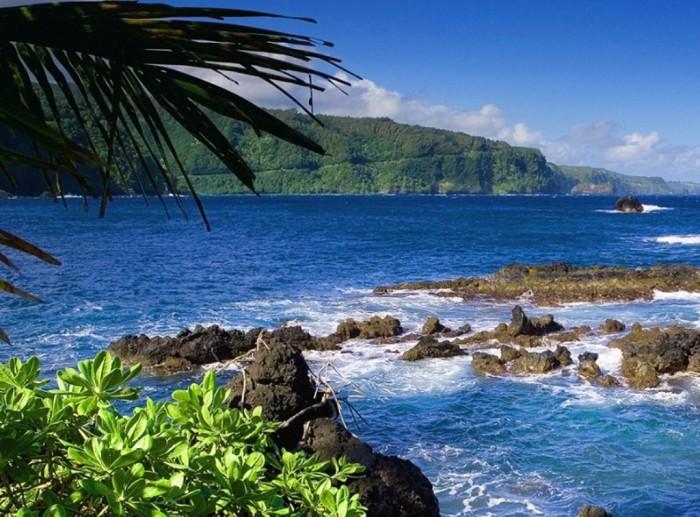 HanaHighway_MauiHawaii1 55 Most Fascinating & Weird Roads Like These Before?