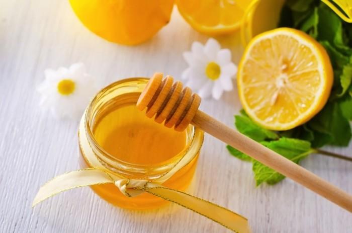 HoneyAndLemonWithFlowers-850x563 Top 10 Health Benefits Of Honey