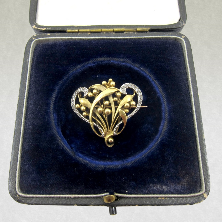 J0071 35 Elegant & Wonderful Antique Diamond Brooches