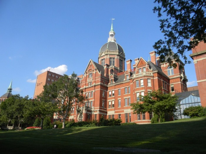 Johns-Hopkins-University-Johns-Hopkins-Baltimore-02 Top 10 Government & Private Medical Colleges in USA