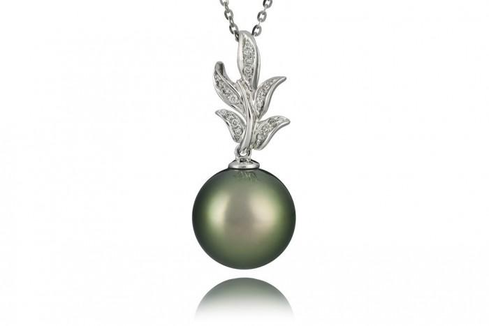 Luxury_Tahitian_Pearl_Diamond_Pendant_with_18ct_Gold_32_1024x1024 50 Unique Diamond Necklaces & Pendants