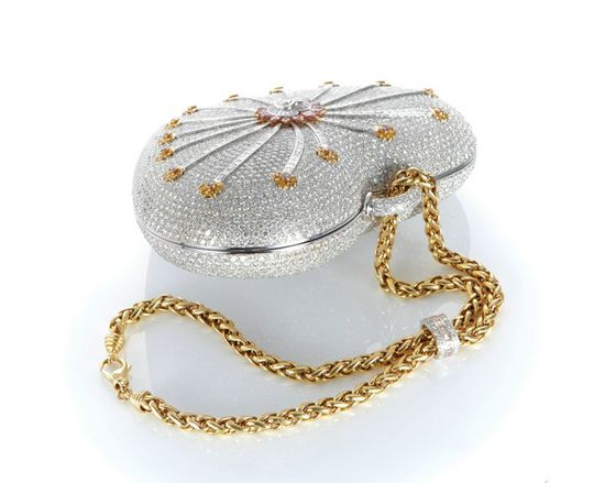 Mouawad-1001-Nights-Diamond-Purse2 69 Most Expensive Diamond Purses in The World
