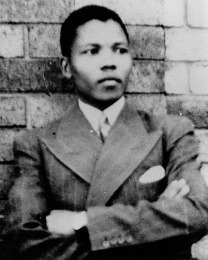 "Nelson-Mandela-Passes-Away-4 The Anti-apartheid Icon "" Nelson Mandela "" Who Restored His People's Pride"