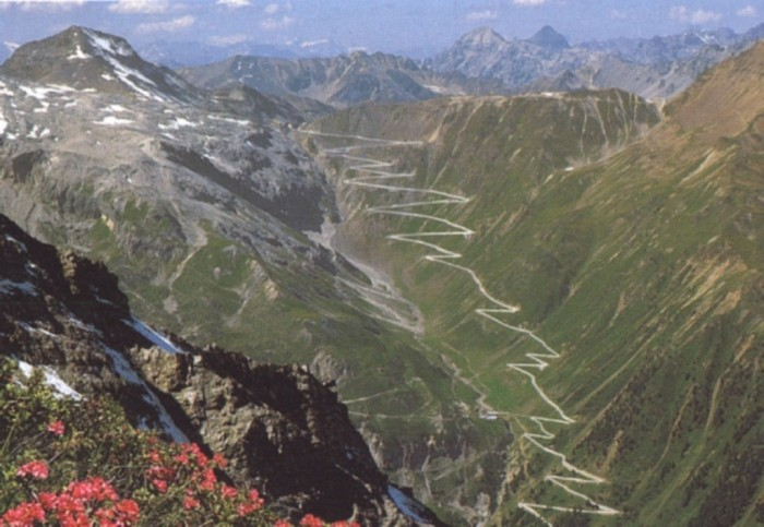 Passo-dello-Stelvio 55 Most Fascinating & Weird Roads Like These Before?