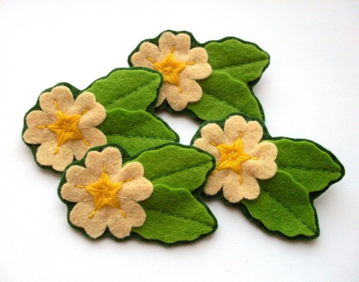 Primrose_Brooches 45 Handmade Brooches to Start Making Yours on Your Own