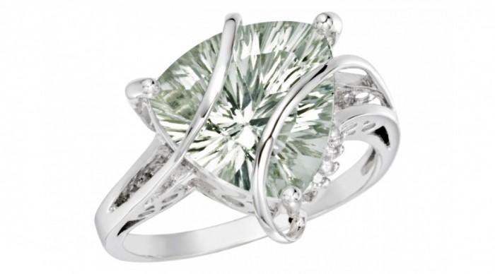 RCC_015372_B_1 30 Fascinating & Dazzling Green diamond rings