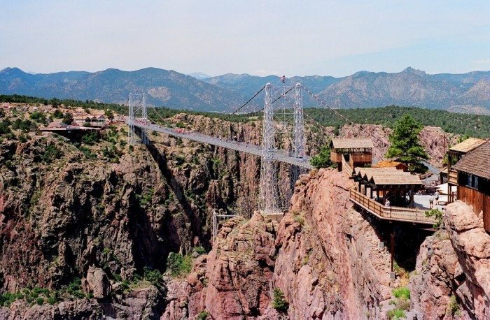 Royal_gorge_bridge_1987 The World's 15 Scariest Bridges that Will Freeze Your Heart