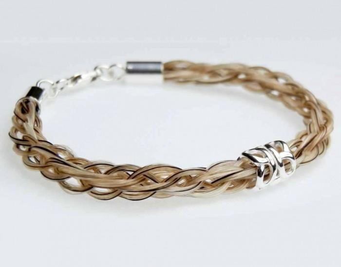 Solace-horse-hair-bracelet-butterfly-bead 45 Elegant & Breathtaking Horse Hair Bracelets