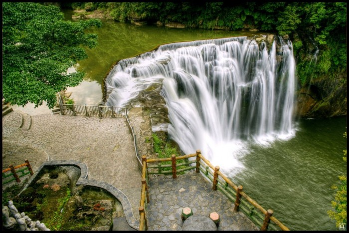 Taiwan-Shifen-Waterfall-HD-Wallpaper Top 10 Richest Governments in the World