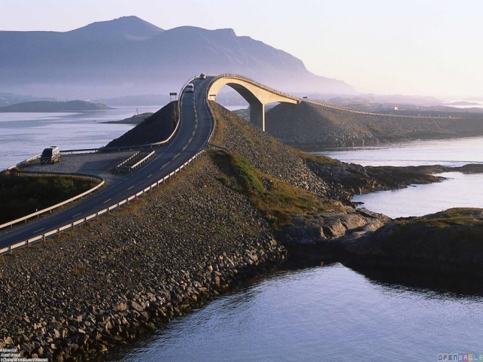 The-Atlanterhavsveien 55 Most Fascinating & Weird Roads Like These Before?