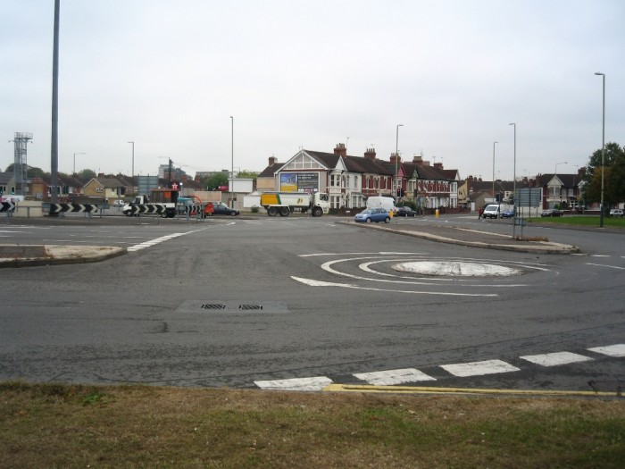 The_Magic_Roundabout_right_Swindon1 55 Most Fascinating & Weird Roads Like These Before?