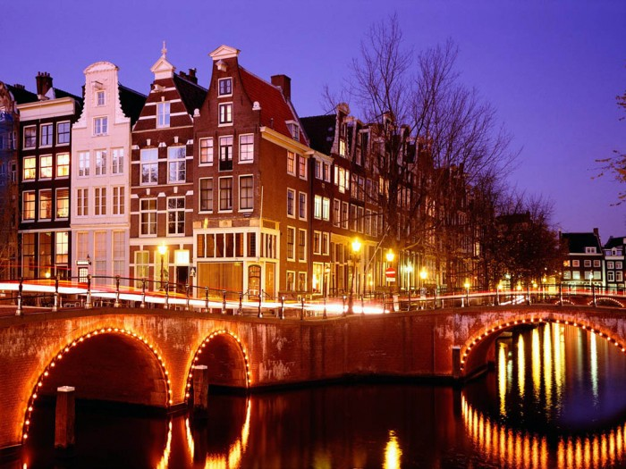 Top-10-Tourist-Attractions-in-Amsterdam Top 10 Best Countries to Visit in Europe 2019
