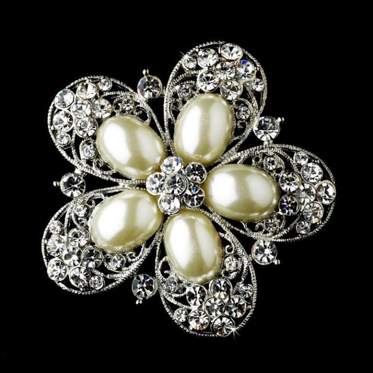 WFDBrooch-117_Silver_Pearl_Brooch_117_0 50 Wonderful & Fascinating Pearl Brooches