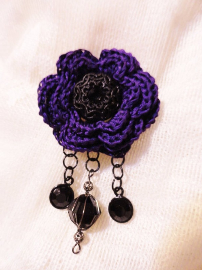 Woolen-Brooch 45 Handmade Brooches to Start Making Yours on Your Own