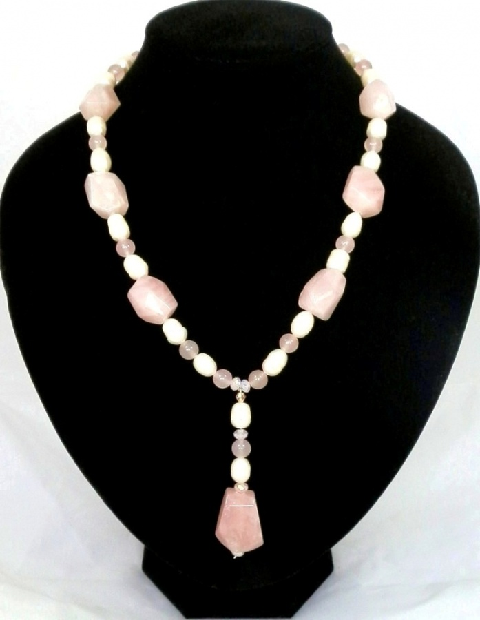 a-chunky-rose-quartz-and-pearl-bead-necklace-1442-p 65 Fabulous & Stunning Handmade Beaded Gemstone Jewelries